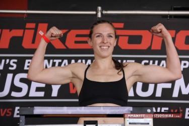 MMAnytt Strikeforce Sarah Kaufman