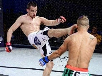UFC on FOX 16: James Krause sveper Daron Cruickshank, tar rygg och stryper ut honom