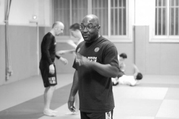 MMA är officiellt förbjudet i Frankrike