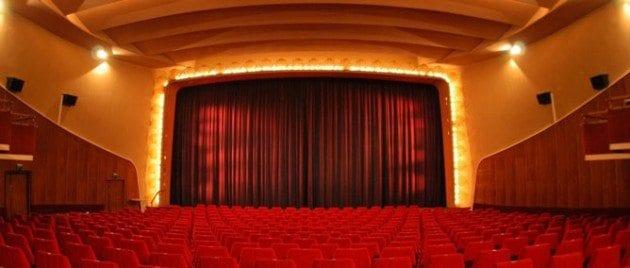 Köp biljetter till kvällens biovisning av UFC 165 direkt på biografen
