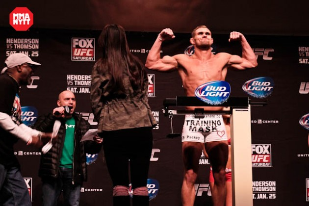 Daron Cruickshank möter James Krause vid UFC on FOX 16