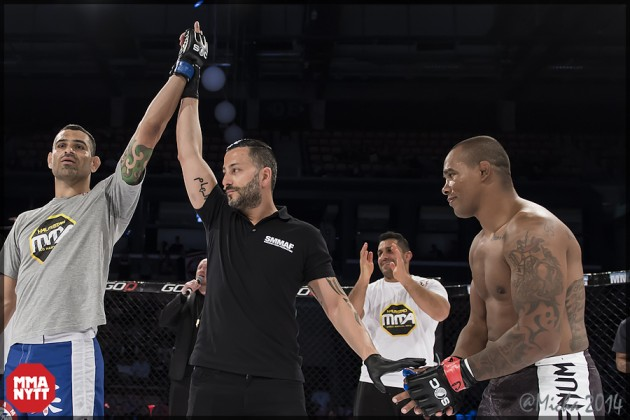 Alan_Carlos_vs_Daniel_Acacio_ Superior_Challenge_X_Helsingborg_20140502_MMAnytt_foto_Micha022