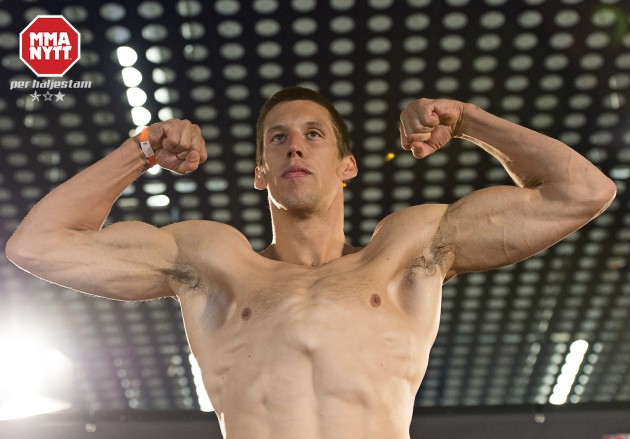 Följ den ceremoniella invägningen LIVE inför UFC Belfast med Magnus Cedenblad