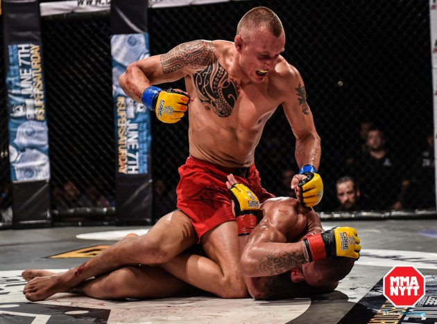 Jack Hermansson går match på Cage Warriors 75