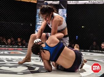 Joanna Jedrzejczyk VS Rosi Sexton Cage Warriors 69_mmanytt_300dpi_ (69 of 137)
