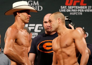 Alvarez vs. Cerrone (Photo by Josh Hedges/Zuffa LLC/Zuffa LLC via Getty Images)