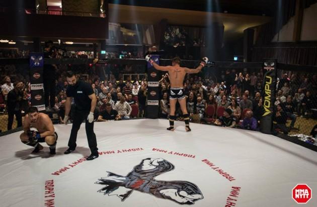 2015 avslutas med en av Sveriges mest underhållande MMA-galor