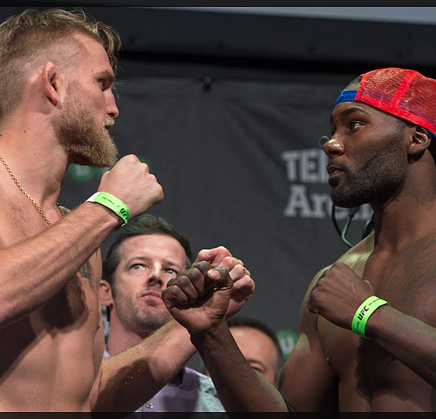 UFC_on_Fox_14_Stockholm_Hovet_weigh_in_Anthony_Johnson_Micha_Forssberg01232015005