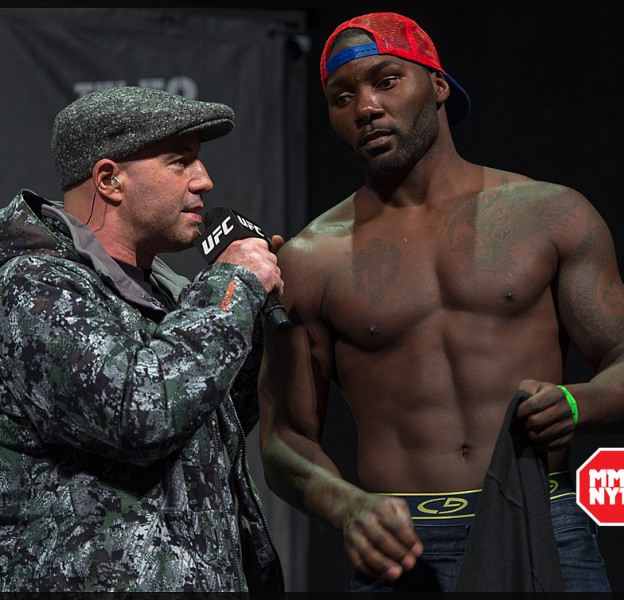 UFC_on_Fox_14_Stockholm_Hovet_weigh_in_Anthony_Johnson_Micha_Forssberg01232015010