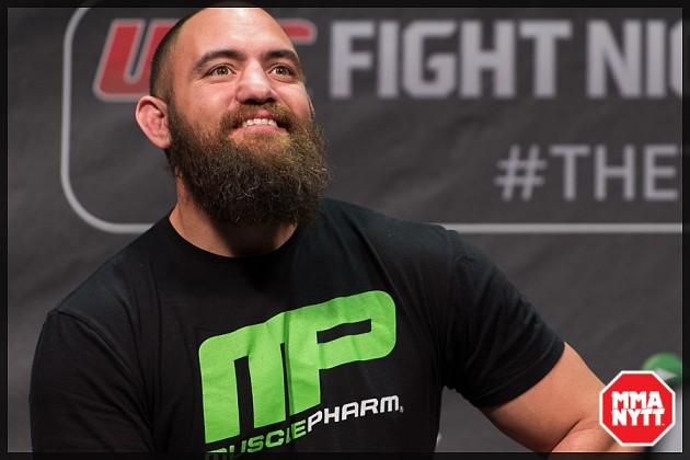 UFC_on_Fox_14_Stockholm_Hovet_weigh_in_Urijah_Faber_ Nick_Hein_Travis_Browne_Luke_Barnatt_Jan_Blachowicz_Micha_Forssberg_02
