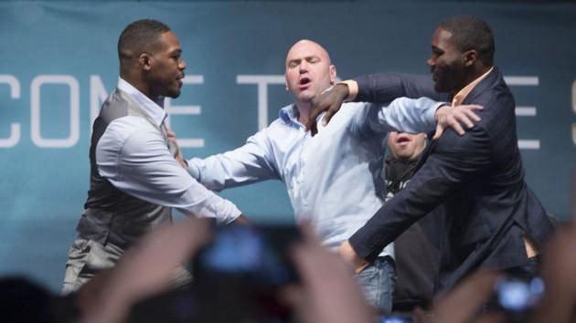 Dana White vill se Jon Jones vs. Anthony Johnson härnäst – Cormier möter vinnaren