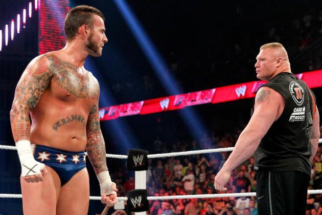 37-årige WWE-stjärnan CM Punk skulle egentligen ha debuterat för UFC vid det här laget.