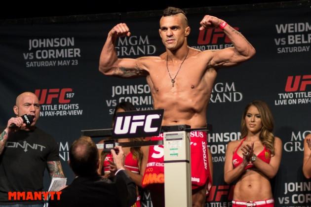 Följ den ceremoniella invägningen med staredowns LIVE inför UFC Fight Night 106!