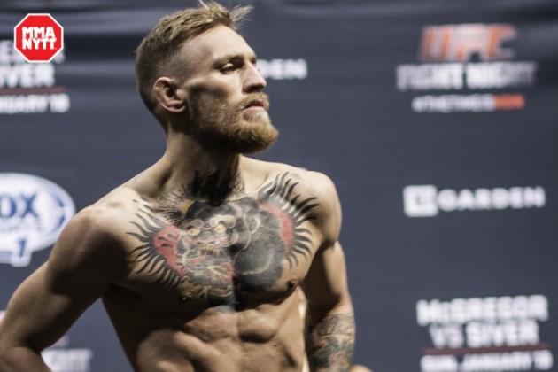 Conor McGregor gäst hos Conan O'Brien – diskuterar Chad Mendes, Floyd Mayweather och tatueringar