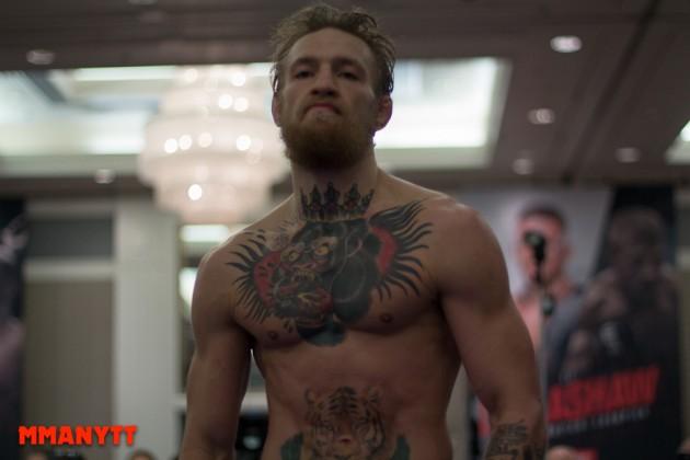 Video: När Conor McGregor tog bältet i 145 och 155 i Cage Warriors
