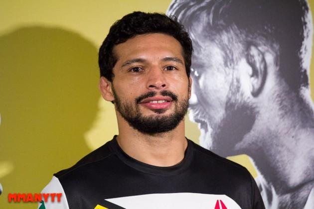Adriano Martins vill få resultatet på UFC 204 upphävt – poängdomare var på fel plats