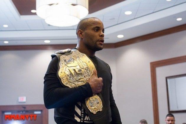Daniel Cormier, nuvarande lätt tungviktsmästare i UFC. Jones besegrade honom i sin senaste match, men under hans avstängning knep Cormier titeln och har även hunnit försvara den i en tuff match mot ovannämnda Gustafsson.