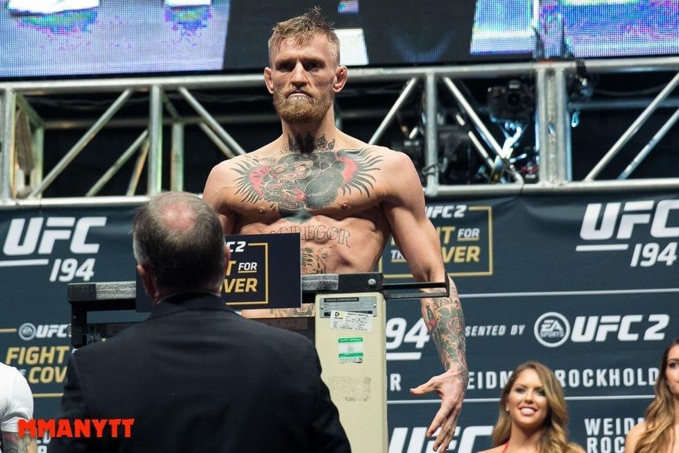 McGregor på invägningen. Många reagerade - som vanligt - på hur utmärglad han såg ut. Foto: Mazdak Cavian