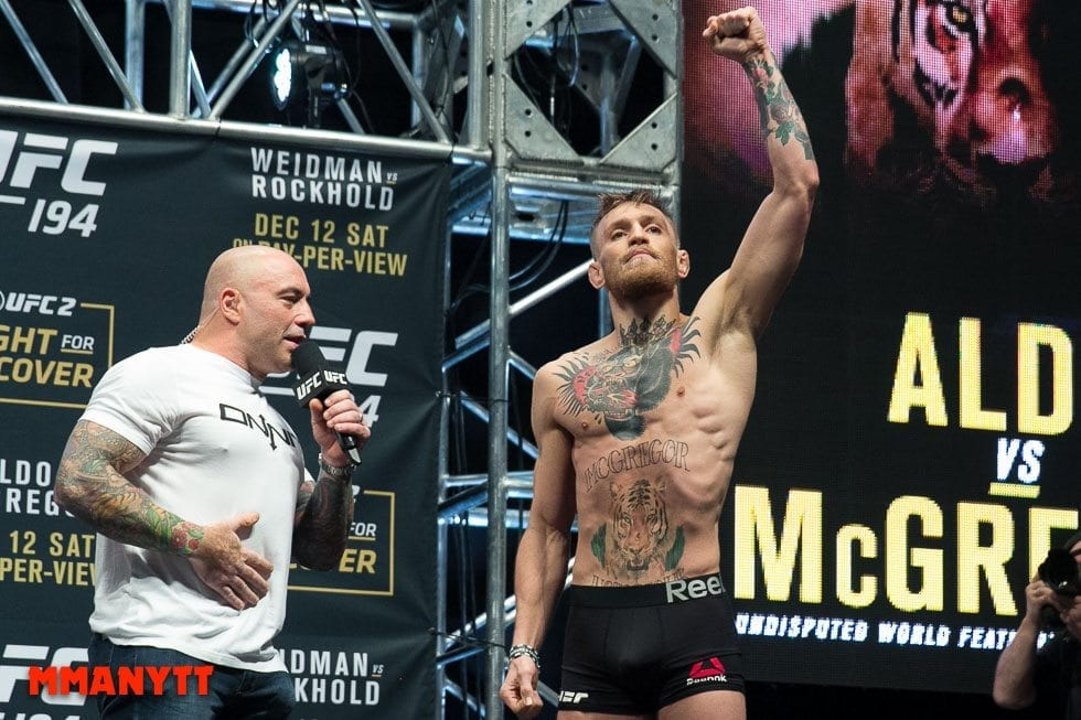 Conor McGregor Joe Rogan UFC 194 Weigh In Las Vegas MMAnytt Photo Mazdak Cavian 2015-77