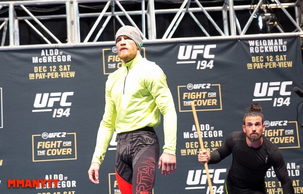 Conor McGregor Ido Portal UFC The Ultimate Fighter Finale Weigh-in  MMAnytt Photo Mazdak Cavian-15