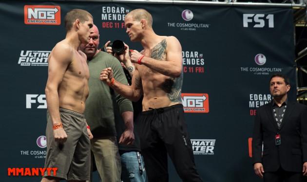Evan Dunham vs Joe Lauzon Photo Mazdak Cavian-35