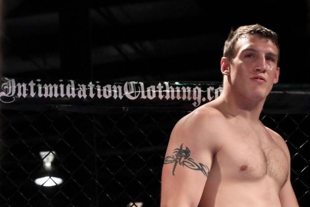 UFC skriver kontrakt om fyra tungviktsmatcher med Adam Milstead