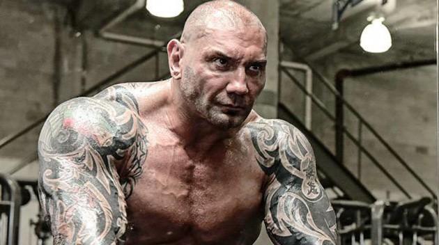 "WWE-stjärnan Dave Bautista kallar Reeboks UFC-Kit ""Goofy"": ""Fuck Reebok"""