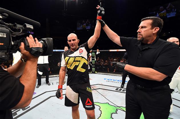 UFC on FOX 19: Glover Teixeira knockar Rashad Evans i den första ronden