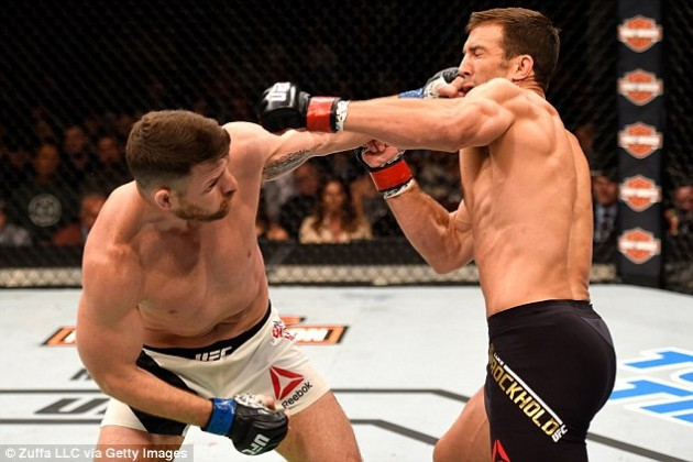 "Michael ""The Count"" Bisping knockar Luke Rockhold."