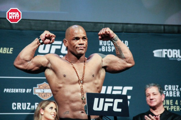 Bekräftat: Hector Lombard möter Brad Tavares på UFC on Fox 23