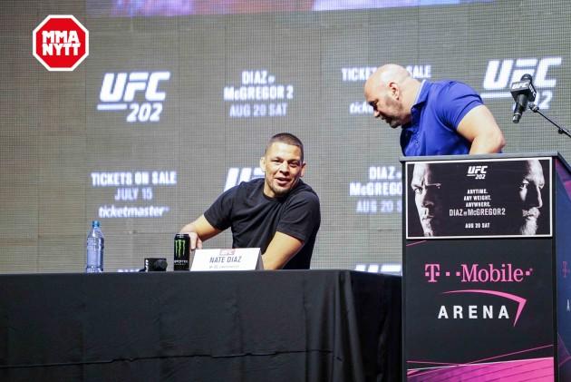 """Nate Diaz vill att UFC-ledningen ska fråga """"hur besatt han är"""" av en returmatch mot Conor McGregor"""