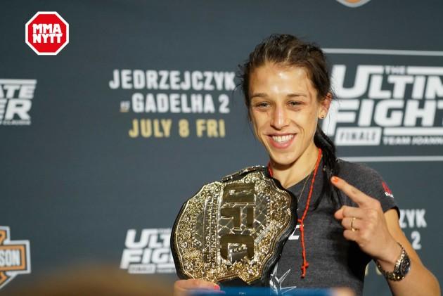 Officiellt: Jedrzejczyk försvarar bältet mot Andrade på UFC 211