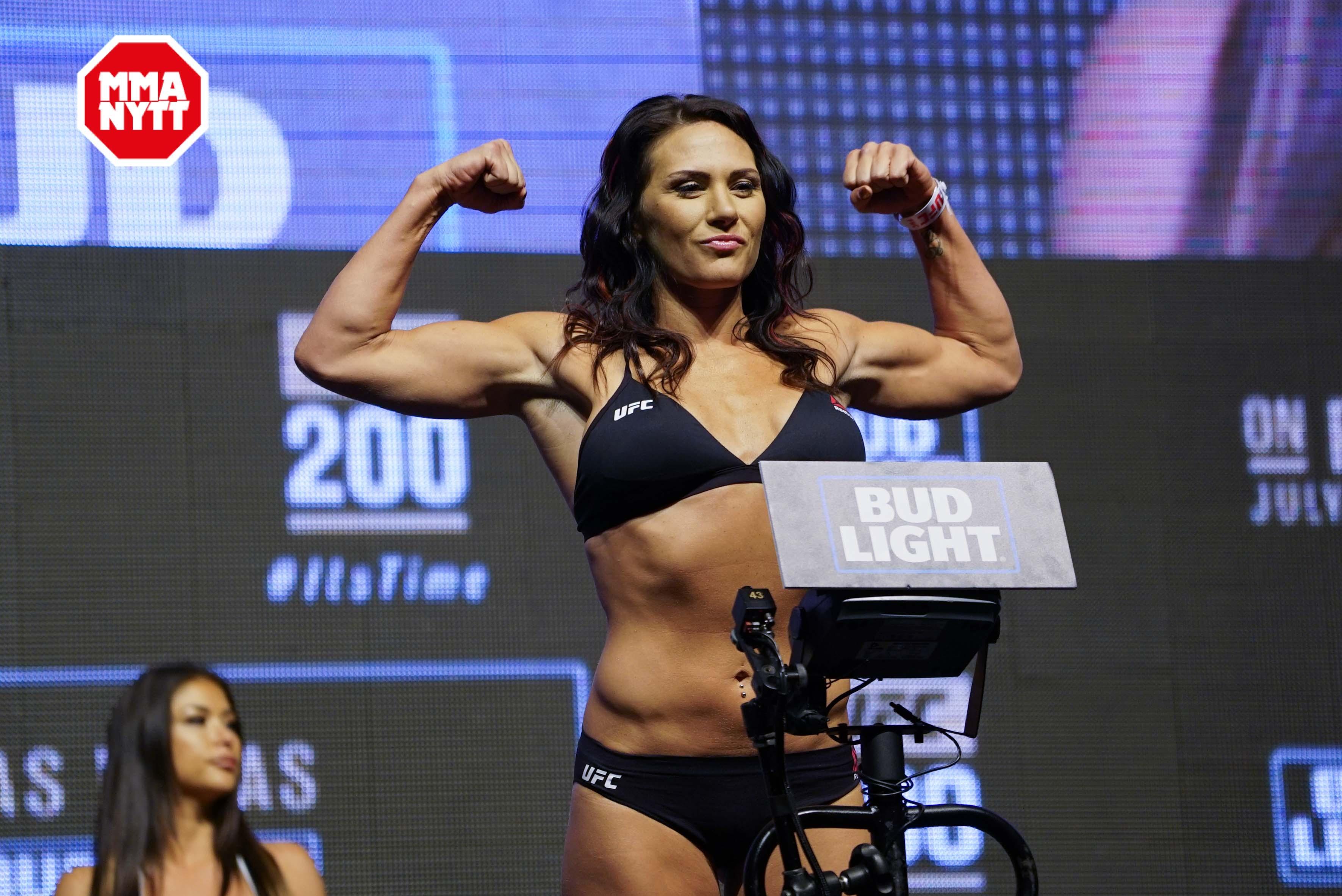 UFC 200 Las Vegas Weig...