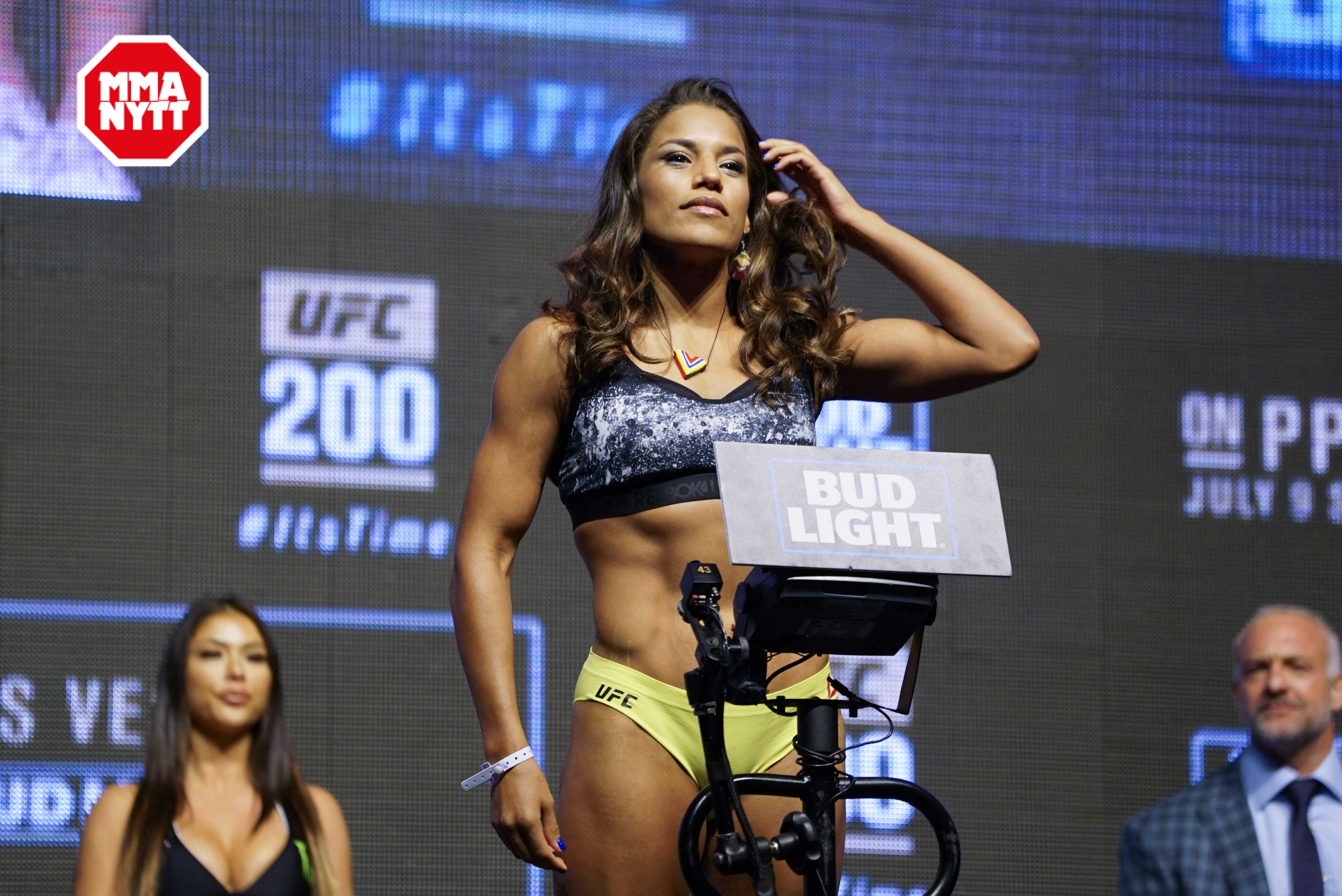 UFC 200 Las Vegas Weigh Ins 2016-07-08 Julianna Pena photo MMAnytt.se Vince Cachero (74 of 155)