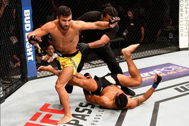 Video: Kolla in svenske David Teymurs brutala avslut från nattens UFC Fight Night 92