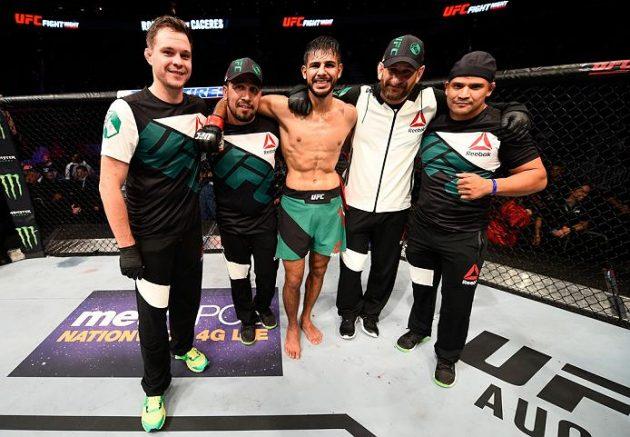 Yair Rodriguez och Alex Caceres tar hem Fight of the Night-utmärkelsen – Se resten av kvällens bonusar