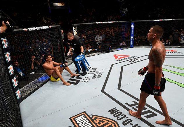 Anthony Pettis och Paige VanZant klättrar i UFCs ranking
