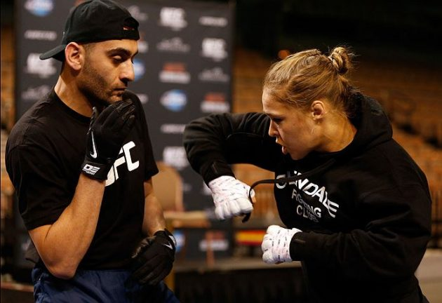 Läs ord för ord vad Ronda Rouseys tränare sade från ringhörnan innan, under och efter knockoutförlusten