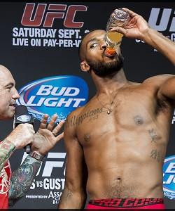 UFC 165 Jon Jones Joe Rogan 01 MMAnytt Foto - Micha Forssberg